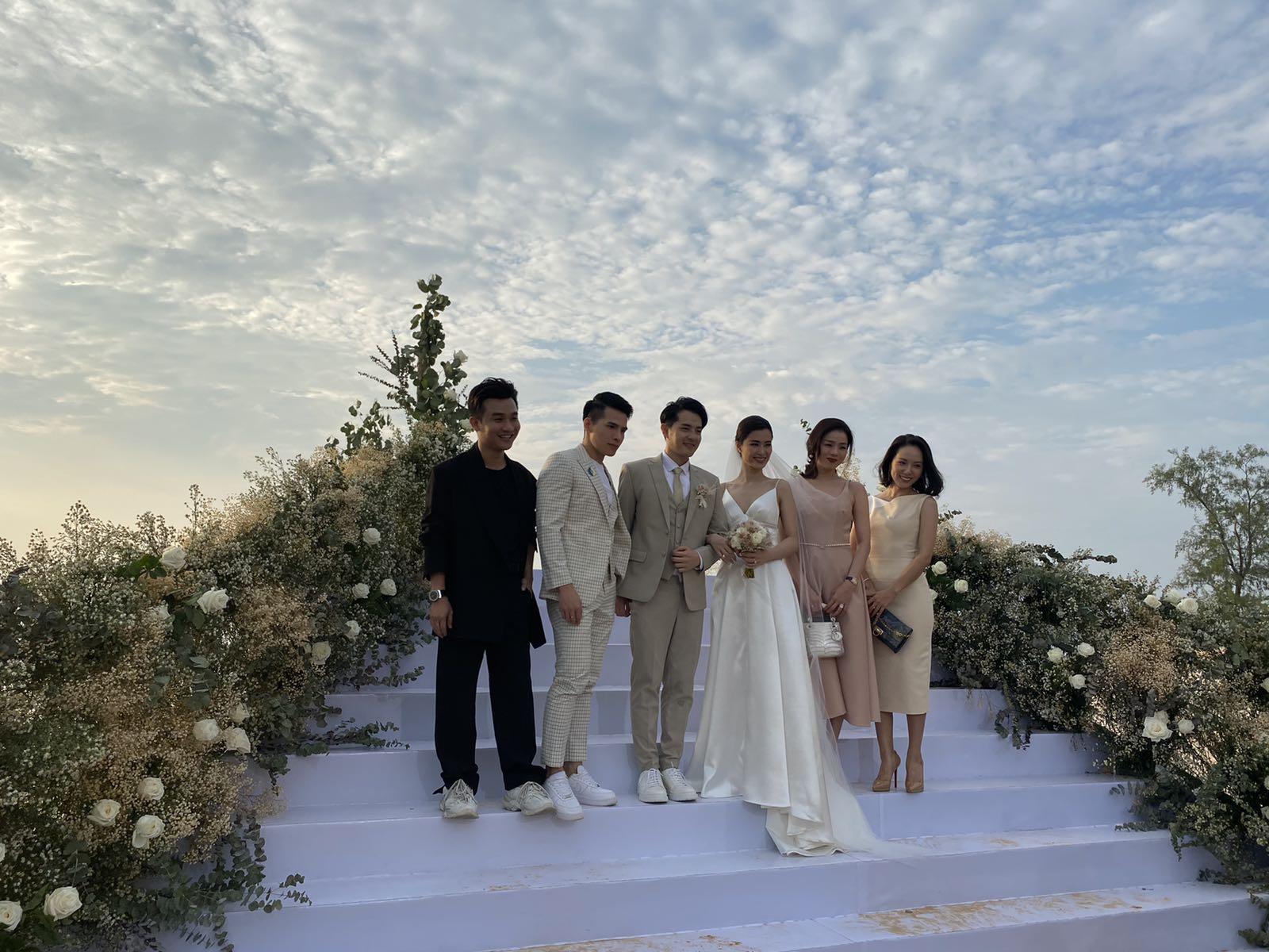 Đám cưới Đông Nhi – Ông Cao Thắng ngập trong nắng vàng đảo Ngọc Phú Quốc