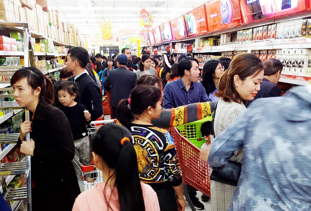 Tổng quan thị trường tiêu dùng 2019: Bối cảnh khó khăn nhưng mức tăng ổn định