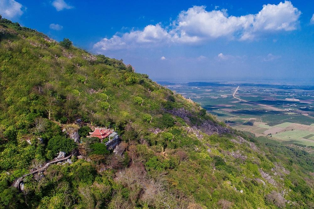 Du xuân phương Nam đừng quên 'đất Thánh' Tây Ninh và đảo Ngọc Phú Quốc