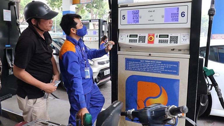 Giá xăng, dầu đồng loạt giảm mạnh sau Tết