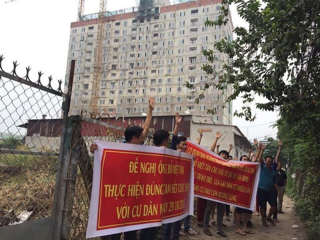 """""""Lùm xùm"""" Tân Bình Apartment: Sở Xây dựng TP HCM dùng luật gì?"""