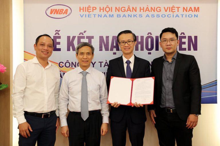 FE Credit gia nhập Hiệp hội Ngân hàng Việt Nam