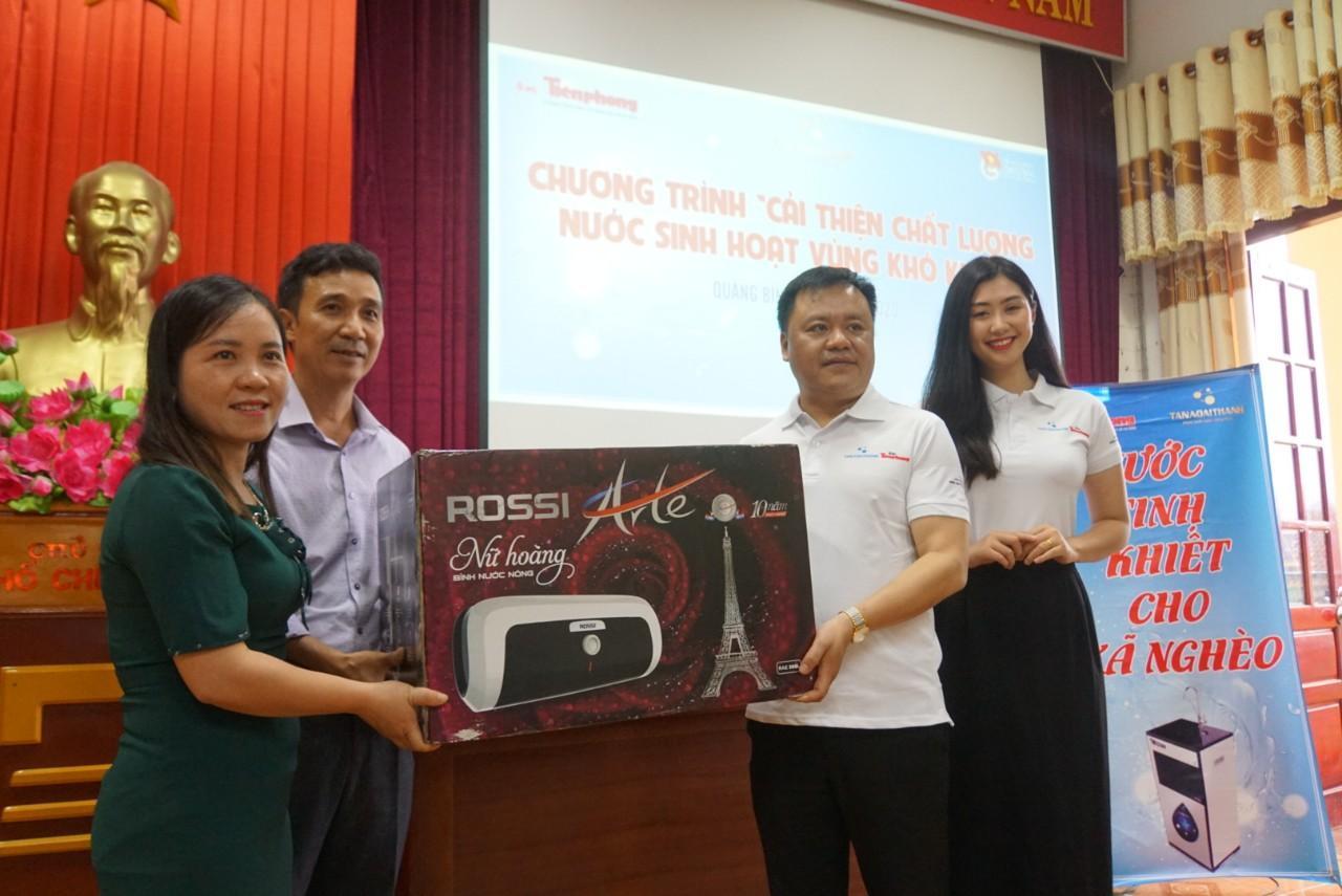 Tập đoàn Tân Á Đại Thành hỗ trợ cải thiện nước sạch cho người nghèo ở Quảng Bình
