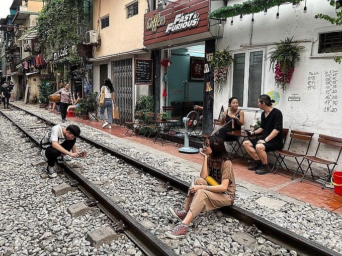 Hà Nội: Kiểm tra, xử lý vi phạm trật tự an toàn giao thông đường sắt