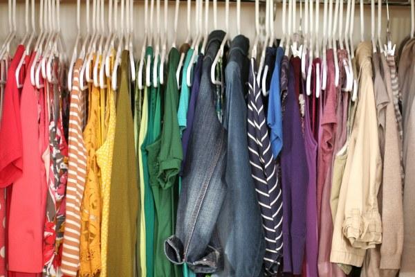 Cách đuổi gián ra khỏi tủ quần áo mà không cần đến băng phiến