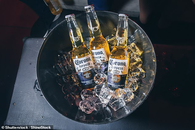 """WHO cảnh báo rượu bia """"vô tác dụng"""" trong phòng chống Covid-19"""