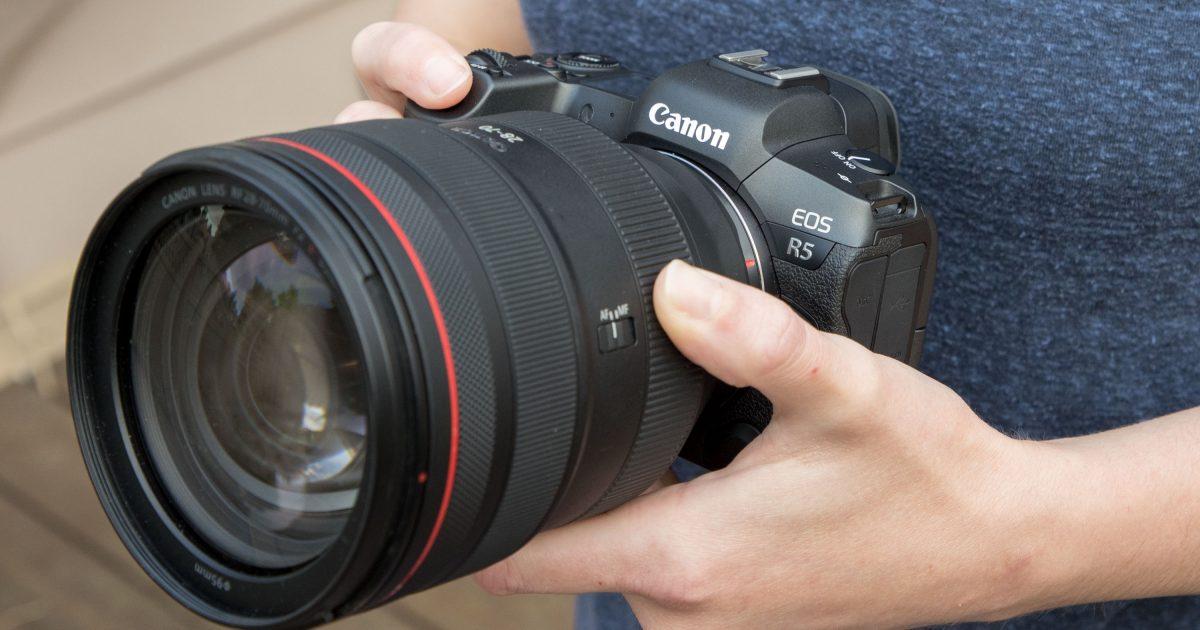 Bộ đôi máy ảnh không gương lật của Canon
