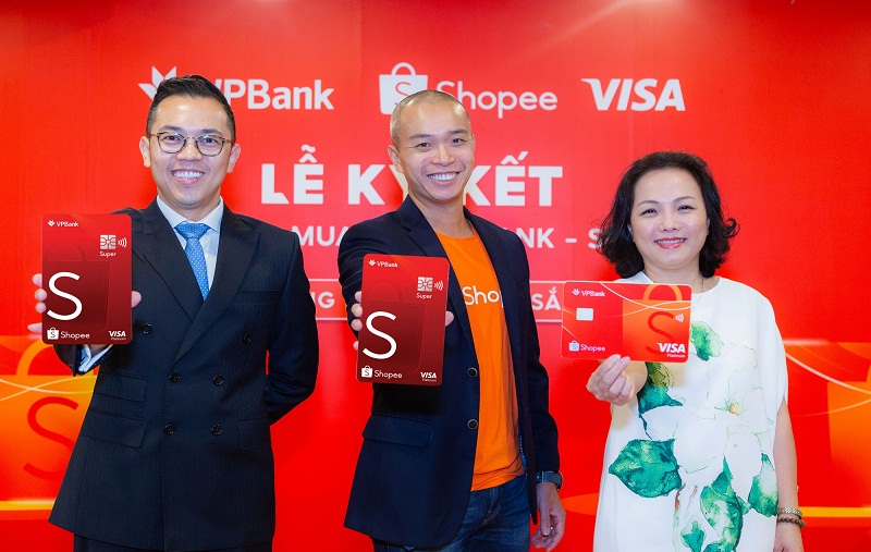 Thẻ tín dụng VPBank Shopee: ưu đãi miễn phí vận chuyển; hoàn tiền đến 10%/năm