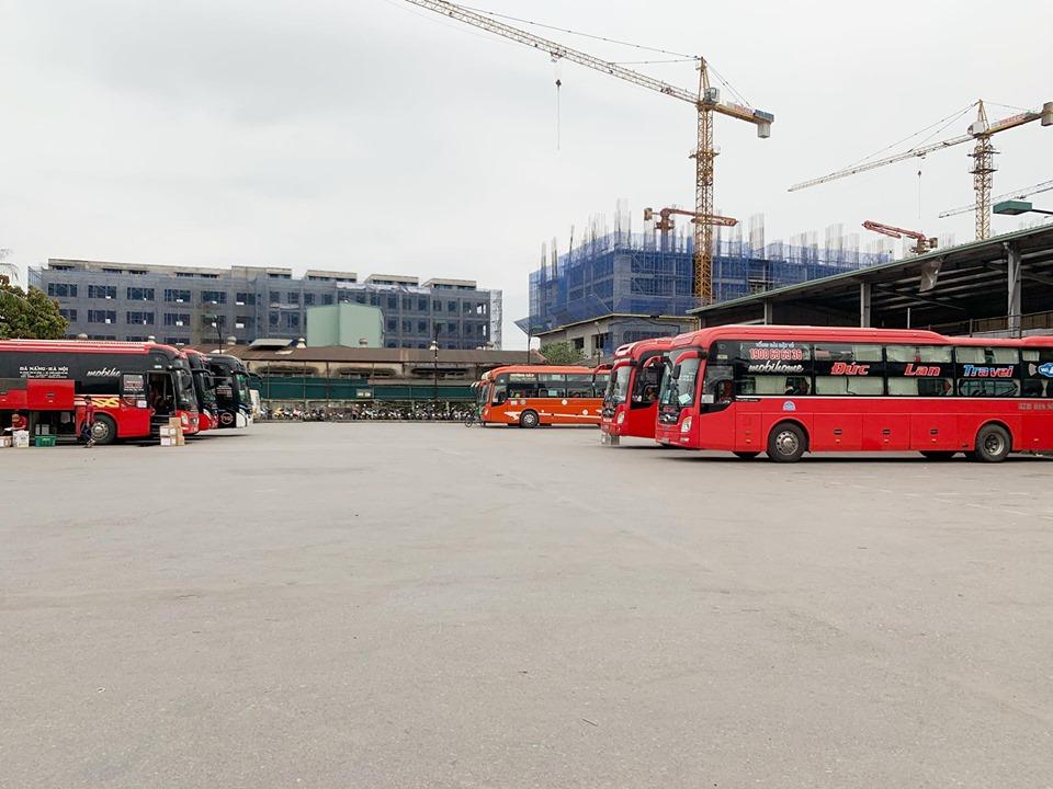Lượng xe khách tại bến giảm đáng kể