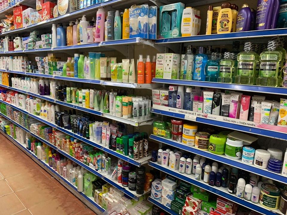 Hà Nội: Khó kiểm soát sản phẩm không tem nhãn phụ tại các cửa hàng tiện lợi