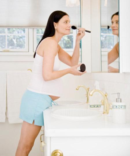 Cách sử dụng mỹ phẩm cho bà bầu không ảnh hưởng đến thai nhi