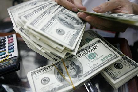 Từ 28/9, gửi tiết kiệm bằng USD sẽ không được hưởng lãi