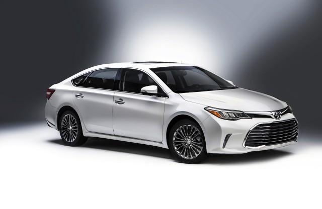 Cập nhật giá bán mới nhất các mẫu xe Toyota tháng 2/2016