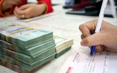 Lãi suất tiết kiệm VND lãi suất 10 - 24 tháng nhận lãi cuối kỳ tại một số ngân hàng