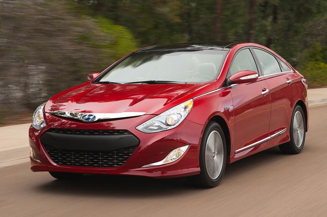 11 mẫu xe ô tô tiết kiệm nhiên liệu đáng mua nhất hiện nay