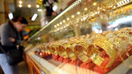 Giá vàng SJC tăng vọt, tỷ giá USD tiếp tục biến động nhẹ