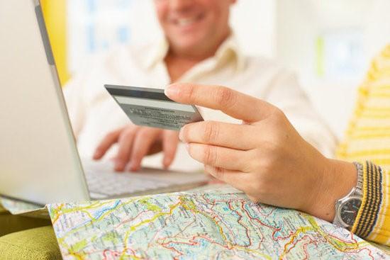 Kinh nghiệm sử dụng thẻ tín dụng khi đi du lịch hay công tác xa