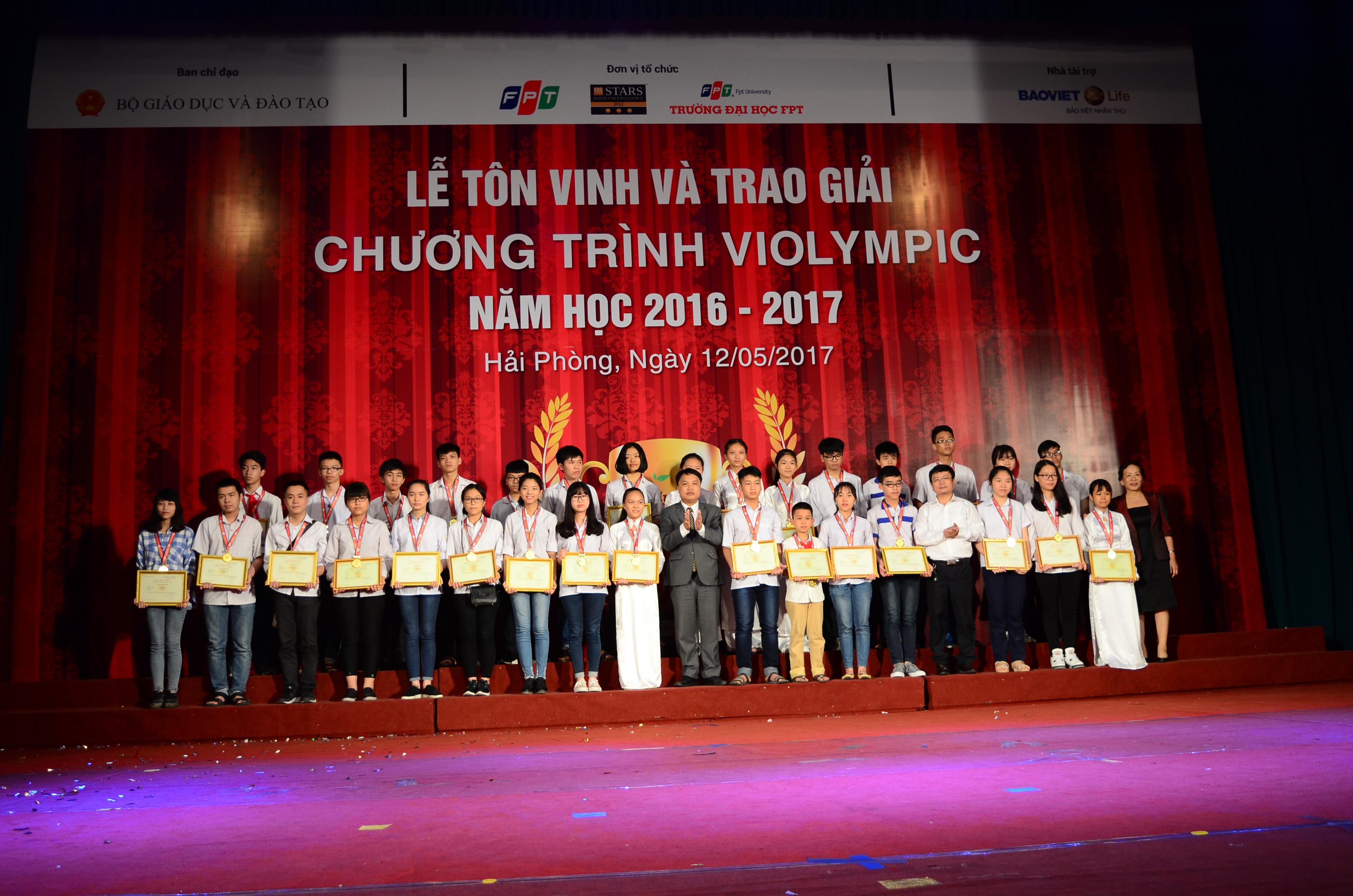 Gần 4.500 học sinh được vinh danh tại Lễ trao giải Violympic 2016-2017