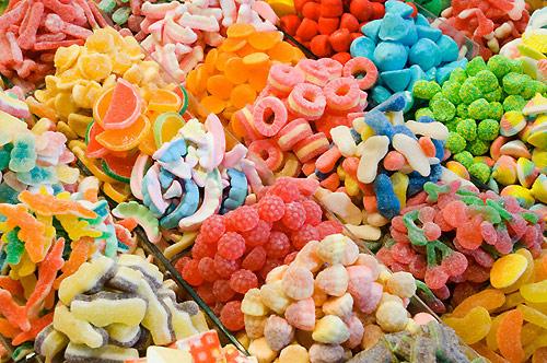 Hướng dẫn cách chọn mứt, hạt dưa và bánh kẹo ngon không có hóa chất cho tết Bính Thân 2016