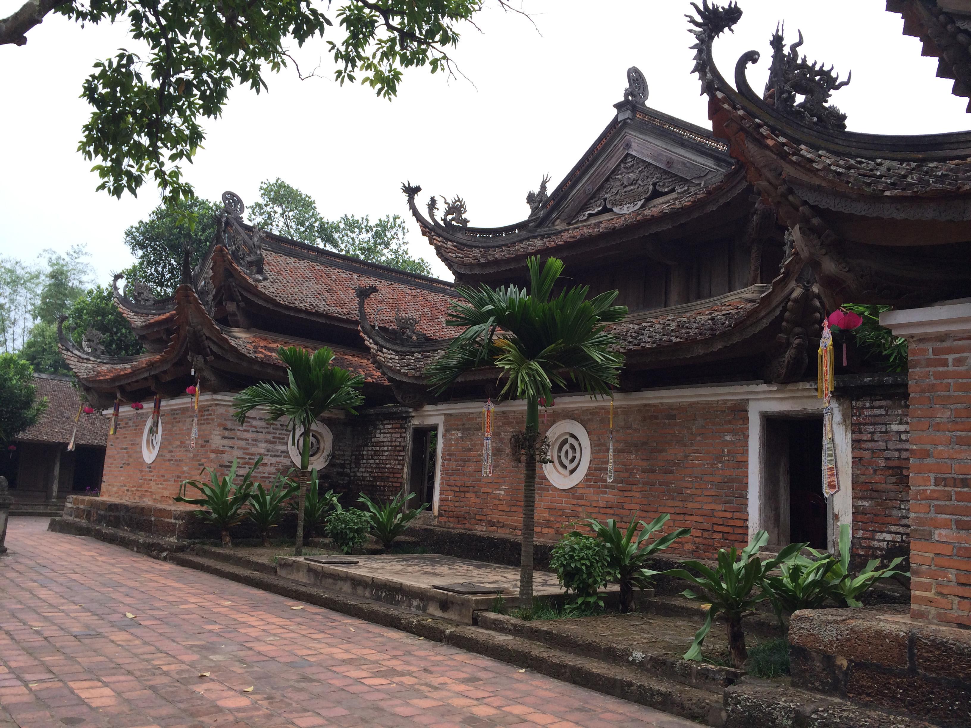 Chùa Tây Phương được ví như một bảo tàng tượng Phật