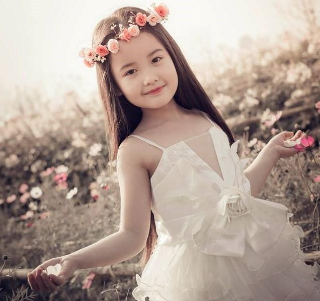 Đặc điểm chính của tuổi lên 7 là cô độc và rụt rè