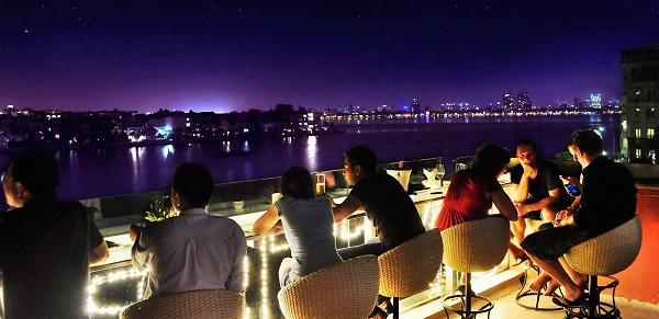 15 quán cà phê có thể ngắm toàn cảnh Hà Nội từ trên cao