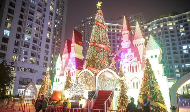 Địa điểm đi chơi Giáng sinh lý tưởng tại Hà Nội năm 2017