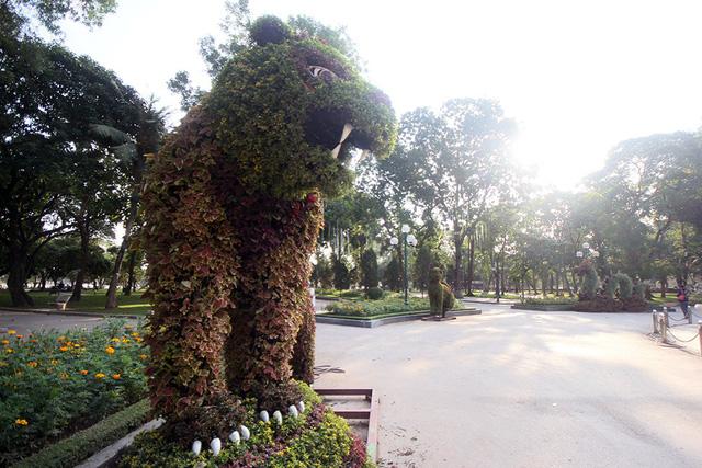12 con giáp tại công viên Thống Nhất - Con hổ