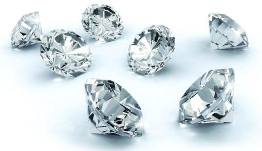 Sao Thổ tú nên đeo trang sức đá quý phong thủy màu trắng