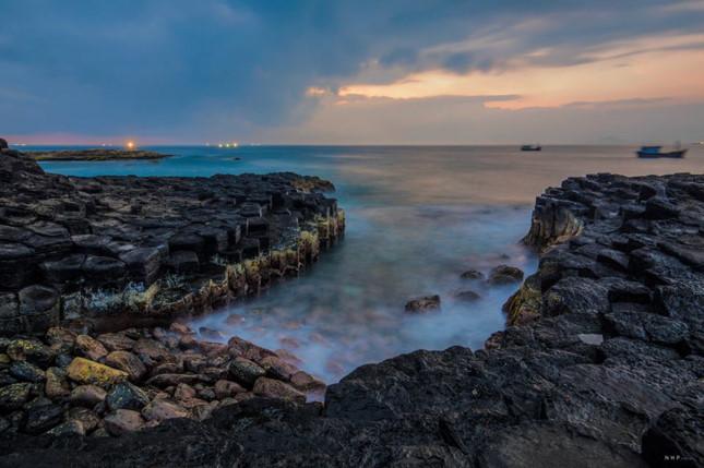 Về Phú Yên, nhớ khám phá 'dấu chân thiên đường' mang tên ghềnh Đá Đĩa