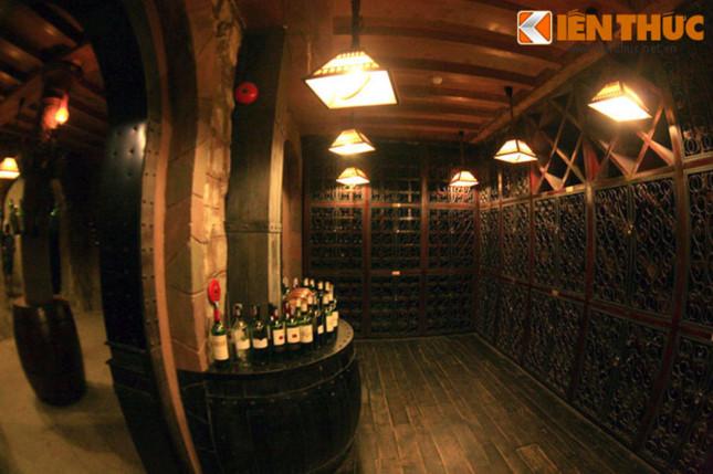 Khám phá hầm rượu cổ độc nhất vô nhị tại Việt Nam - ảnh 3