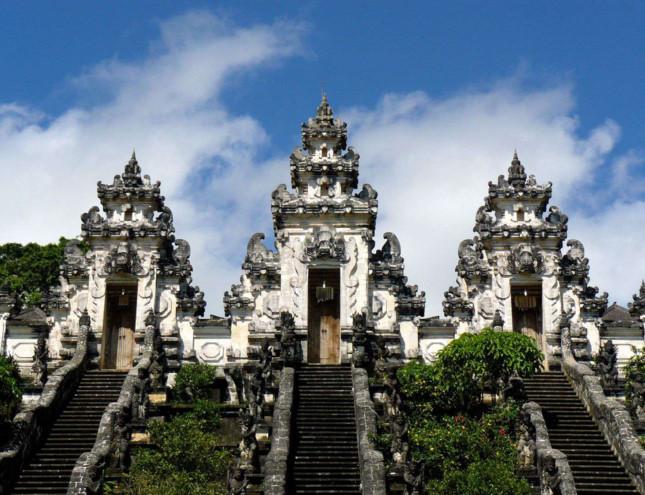 Đền Pura Lempuyang Luhur - chiếc cổng trời bước ra từ thần thoại - ảnh 5