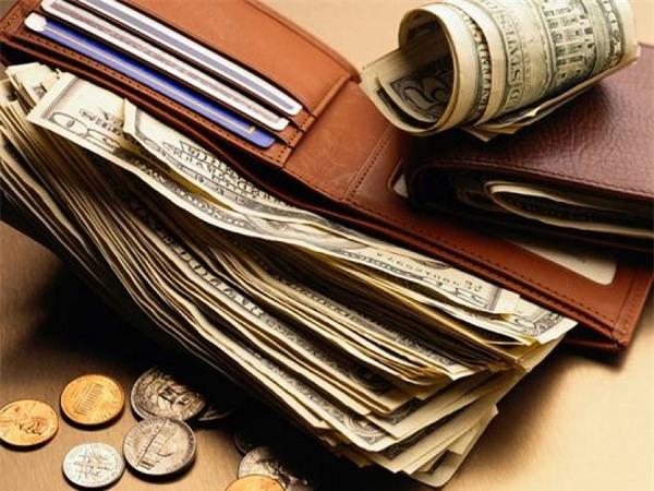 Phong thủy ví tiền: Đựng gì trong ví để năm mới phát tài phát lộc?