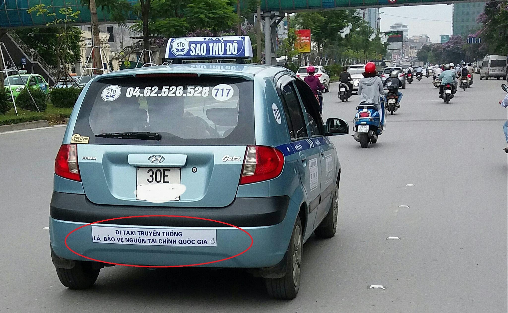 Taxi, xe ôm truyền thống vs Grab, Uber