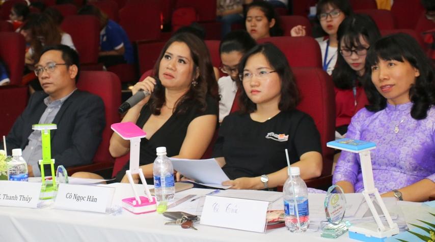 Bà Trần Thị Thanh Thủy – Luật sư, Trưởng phòng Pháp lý & Thu hồi nợ của công ty Home Credit Việt Nam – đồng thời là giám khảo chuyên môn của cuộc thi
