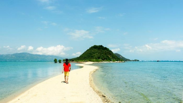 Những hòn đảo mới của Việt Nam đẹp mê li khó bỏ qua mùa hè này