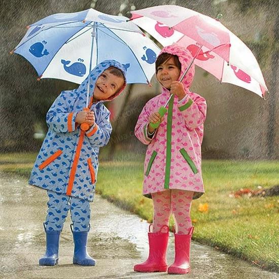 Lưu ý cần để mẹ chăm sóc sức khỏe cho con ngày mưa gió