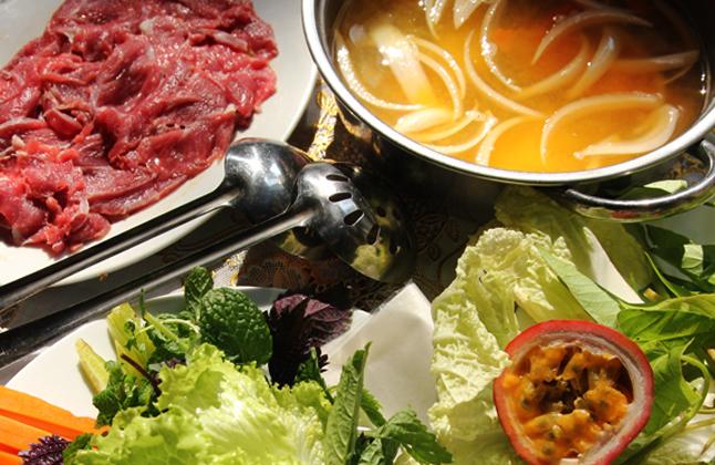 Lẩu chanh dây là món ăn quen thuộc của vùng Nam Bộ