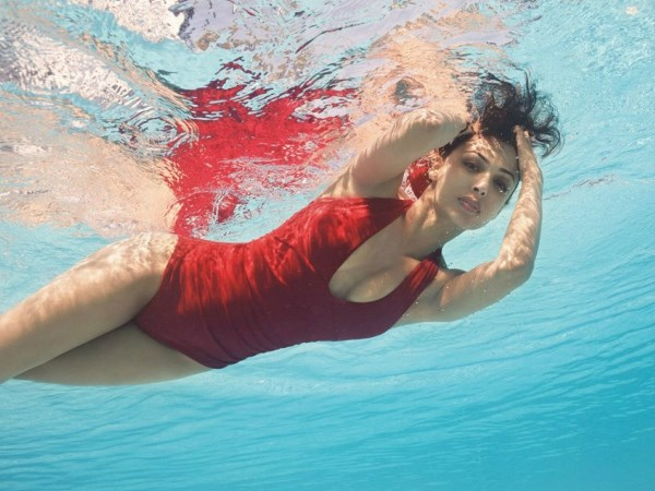 Rất nguy hiểm khi đi bơi quá đói hoặc quá no. Ảnh: Internet.