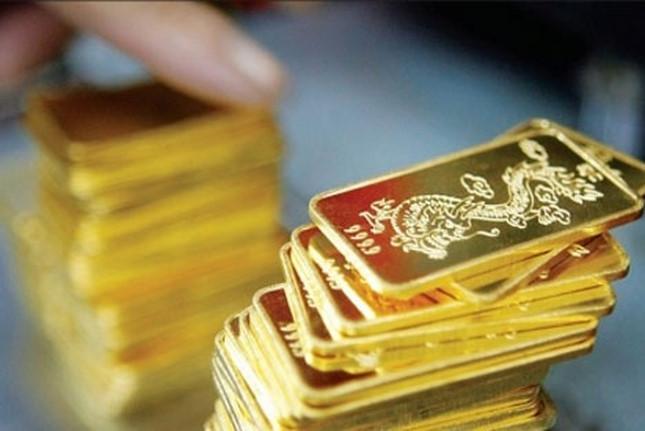 Giá vàng ngày 14/8: Thị trường dần hạ nhiệt dù giá vàng đang trên đỉnh