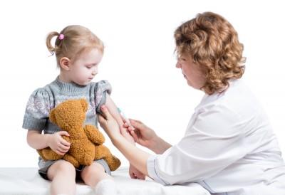 Những loại vắc xin cần thiết cho trẻ nhỏ những năm đầu đời