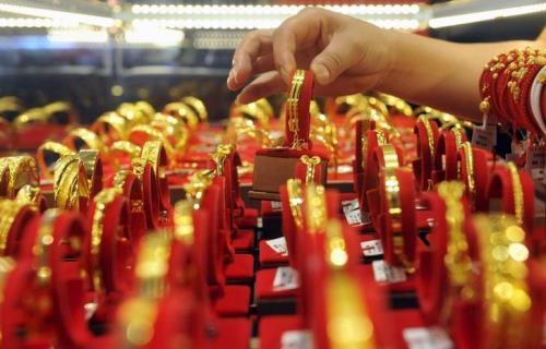 Giá vàng ngày 4/10: Vàng tiếp tục lao dốc trước sự tăng đột biến của đồng USD