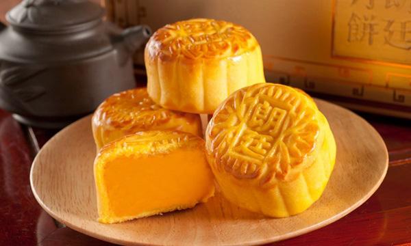 Cách làm bánh Trung thu nhân custard béo ngậy đang sốt mạng