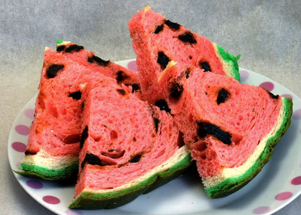 Cách làm món bánh mì dưa hấu đang sốt mạng cực dễ tại nhà
