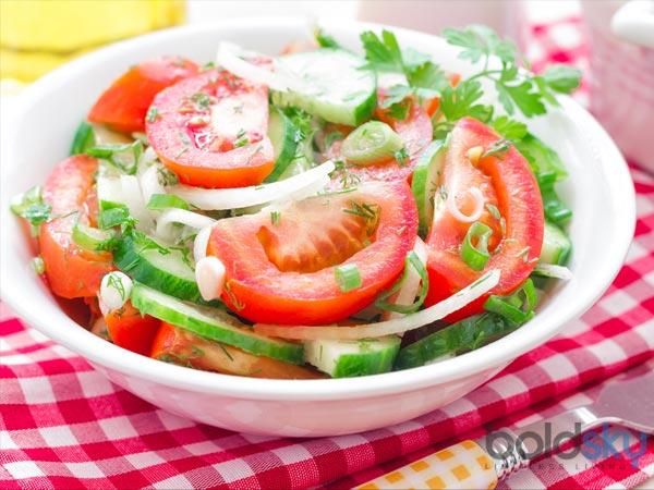 Nếu muốn giảm cân, đừng ăn salad với thứ này