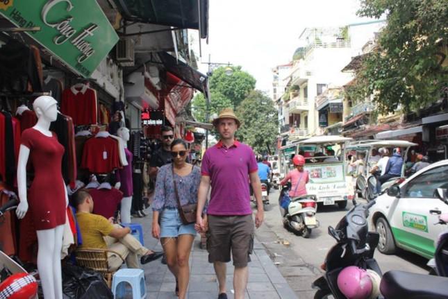 Tour đi bộ miễn phí thăm quan Hà Nội - sản phẩm du lịch đặc trưng