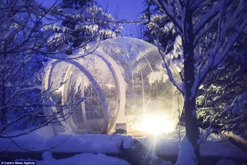 Chiêm ngưỡng khách sạn bong bóng kỳ diệu ở Iceland
