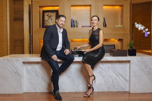 Ông Tim Voegele – Downing – Giám đốc sáng tạo và bà Ann Rafter – Cố vấn cao cấp truyền thông của Giovann Group