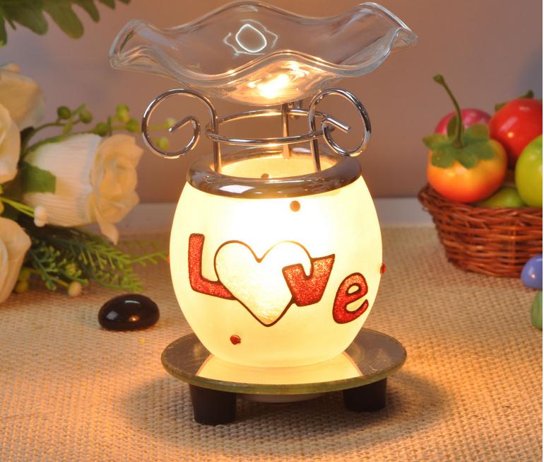 Nên chọn đèn xông điện, đèn nến hay máy khuếch tán tinh dầu?
