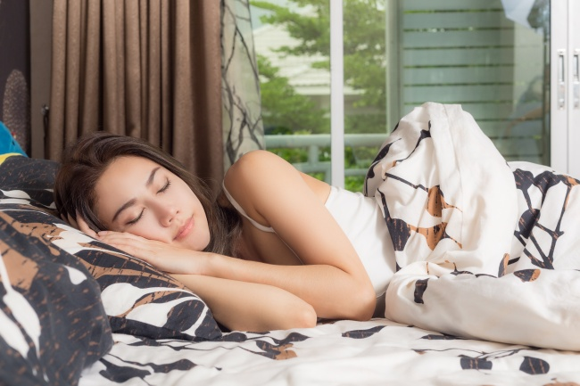 Tư thế ngủ ảnh hưởng thế nào đến sức khỏe?